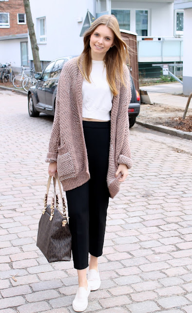 IMG 8619 - SPORT CHIC - OVERSIZE CARDIGAN MIT SLIP - ON SNEAKERS