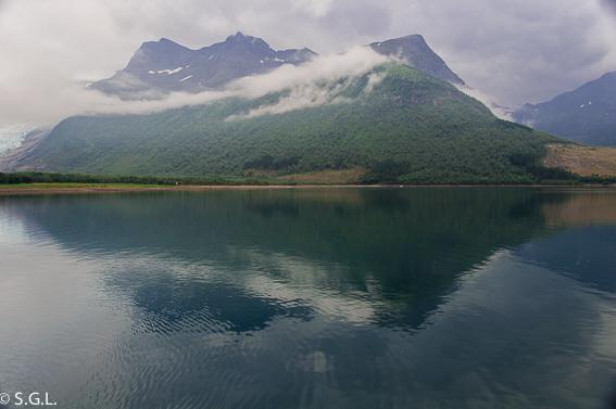 Entorno glaciar Svartisen. Noruega