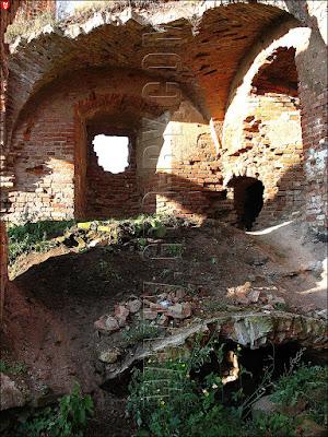 Подвалы замка Сапег в Гольшанах