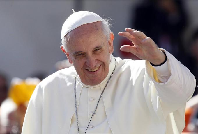 """Papa Francesco operato al Gemelli, """"Ha reagito bene all'intervento"""""""