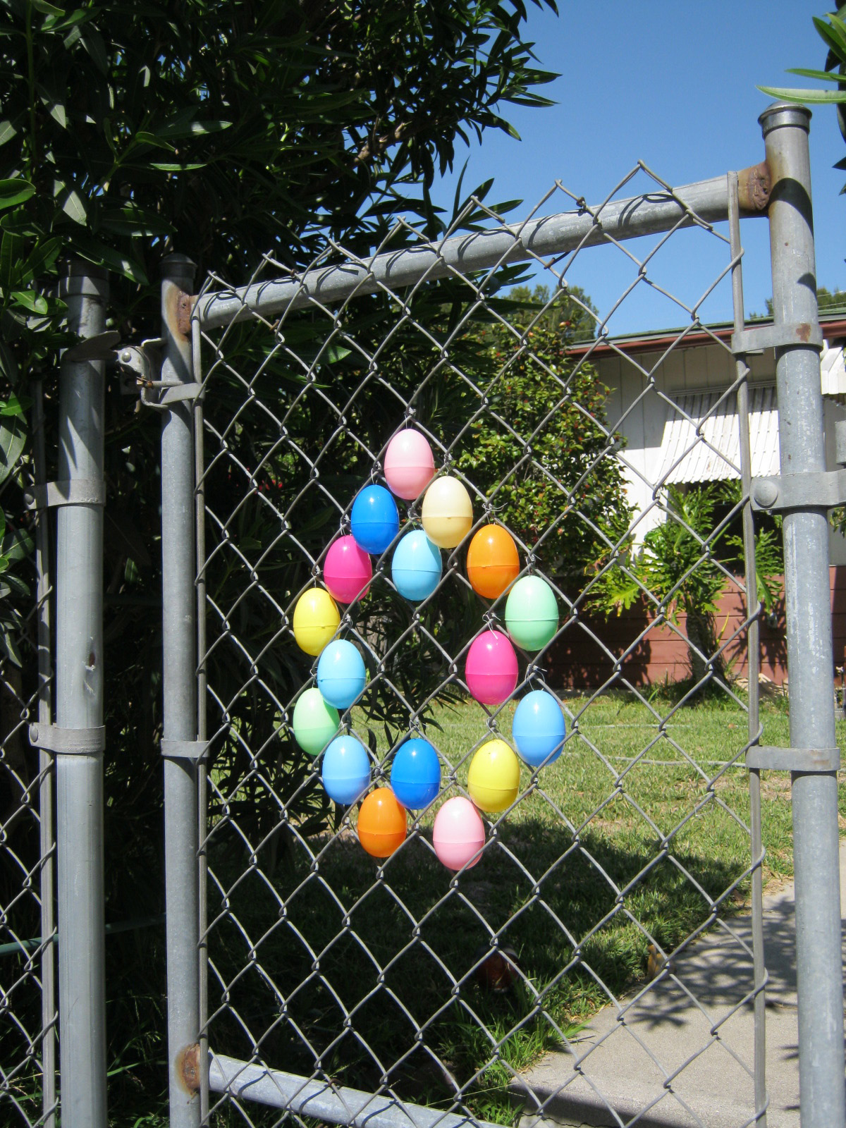 Excellent Chain Link Fence Decoration Lr46 Roccommunity