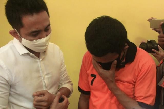 Kemesraan saat video call dijadikan alat memeras korban hingga Rp 150 juta
