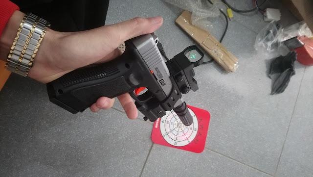 Súng lục Glock bắn đạn thạch_3