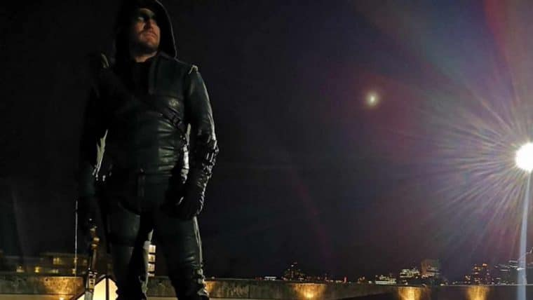 Stephen Amell se despede do Arqueiro Verde