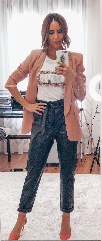 Fitness And Chicness-Una Prenda Varios Looks-Pantalon de Cuero-3.1