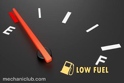 شرح حساب المسافة التي يمكن أن تقطعها بسيارتك رغم إضاءة لمبة الوقود