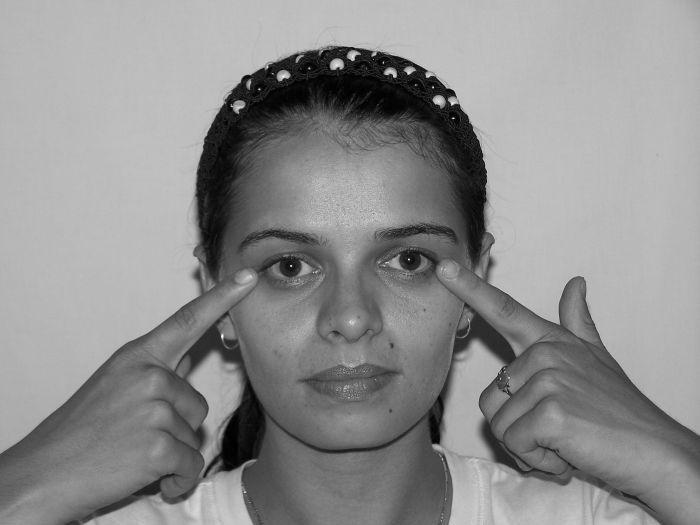 Сиськи?!:-) The facial toning exercises