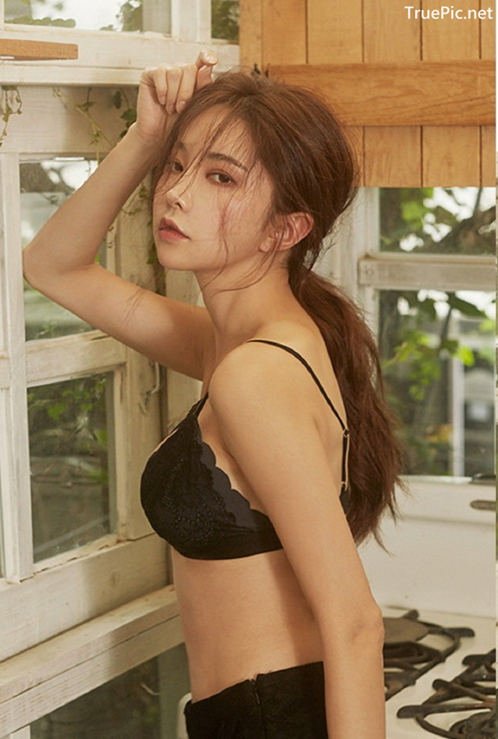 Image-Park-Soo-Yeon-Black-Red-and-White-Lingerie-Korean-Model-Fashion-TruePic.net- Picture-7