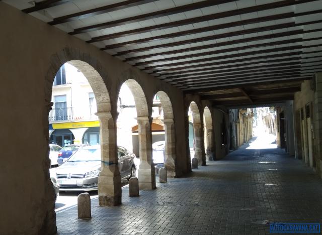 Plaça porxada a Gandesa