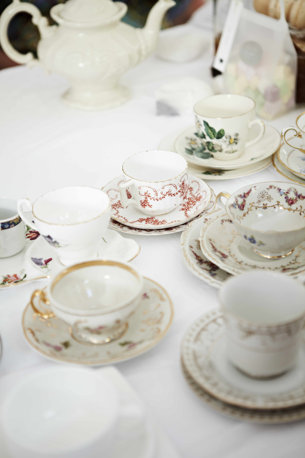{countdown to the royal wedding: high tea}