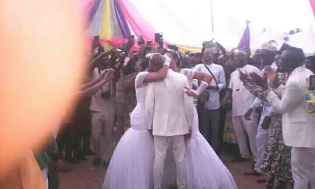 More potos: Man weds two women at same time in Abiriba, Abia State