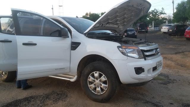 Polícia Civil de Cajazeiras faz entrega de caminhonete tomada por assalto em Campina Grande que foi usada no assalto ao BB de Bonito de Santa Fé
