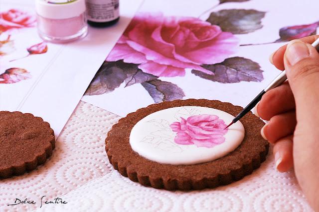 Cómo pintar a mano rosas sobre glasa real {Tutorial para Cookie Connection}
