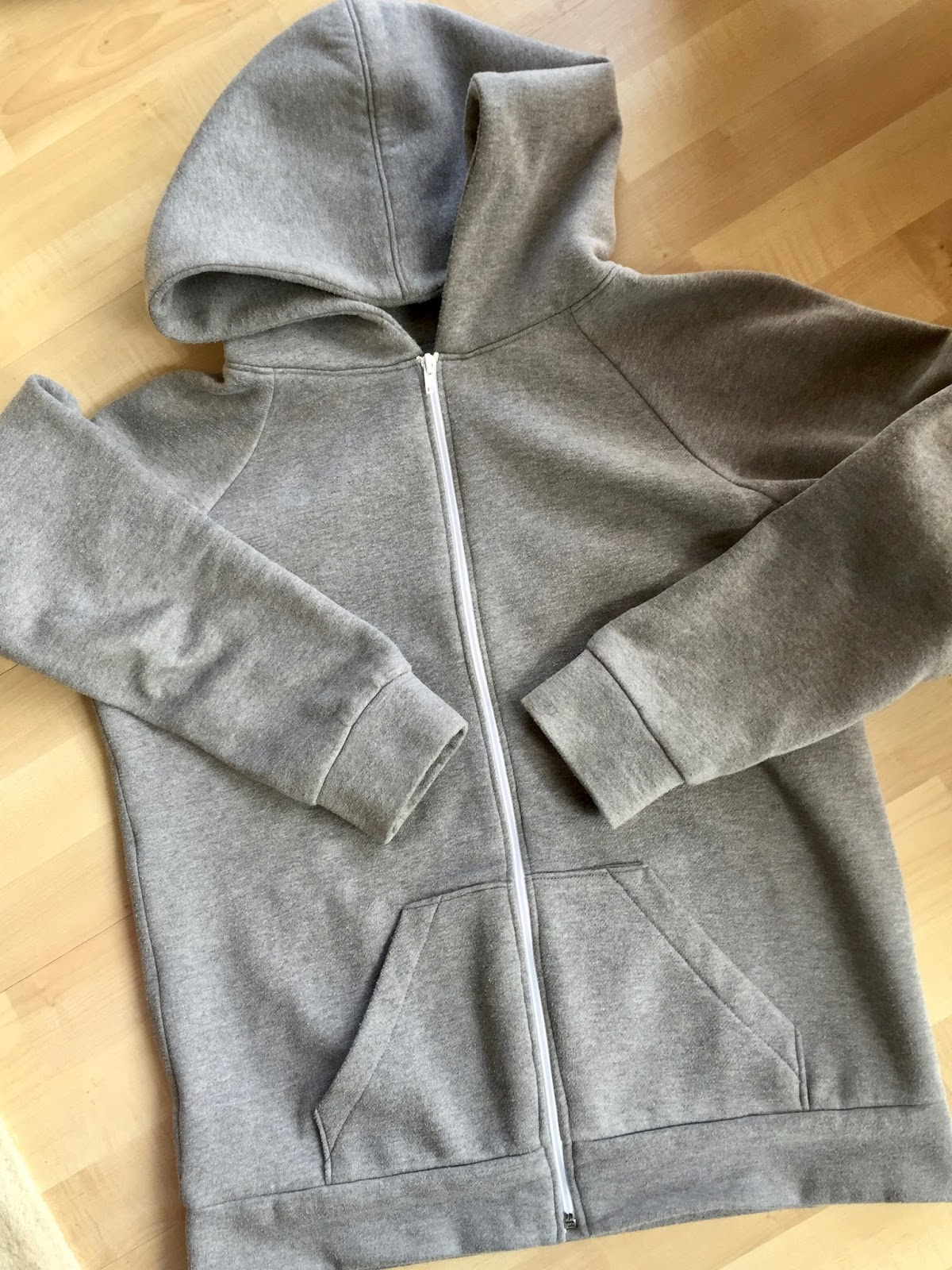 cb115e54 Handmade Gifts: McCalls 6614 Hoodies for Men   Diary of a Chain ...
