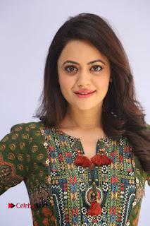 Actress Shruti Sodhi Pictures at Meelo Evaru Koteeswarudu Trailer Launch  0002.JPG