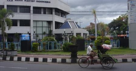 Majalah Gempur Oknum Karyawan Bank Bri Jember Diduga Lakukan