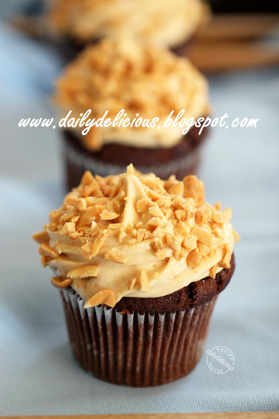Dailydelicious Peanut Butter Chocolate Cupcakes
