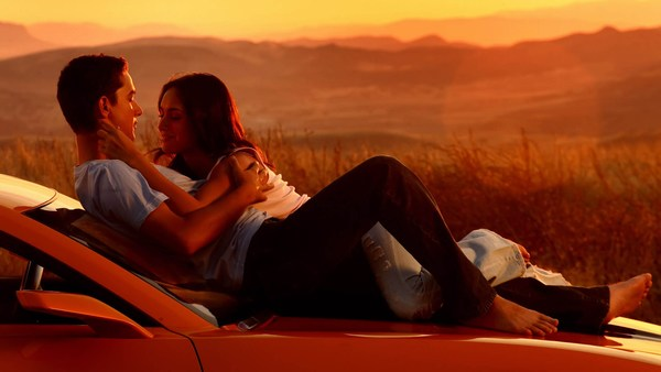 Romantic Pics of Love Couple on Car