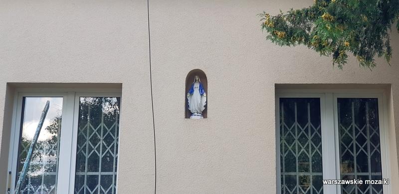 warszawskie kapliczki warszawa warsaw podwórko