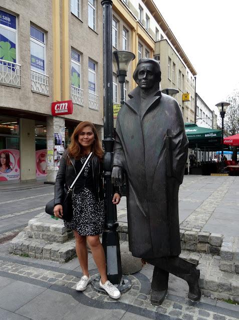 Statues of Meša Selimović and Ismet Mujezinović