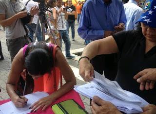 Νόθευση των εκλογικών στοιχείων στη Βενεζουέλα