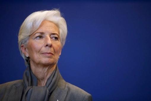 Franceses exigen un juicio real contra la directora del FMI