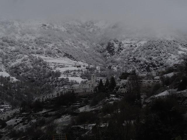 Capileira con nieve, visto desde Bubión 22 de marzo 2020