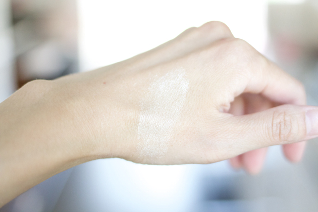 Marc Jacobs Beauty Glow Stick on skin