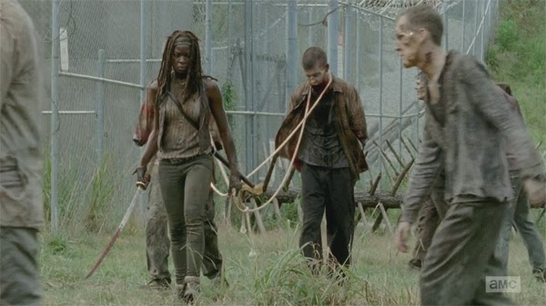 "Michonne recupera sus guardaespaldas zombis en ""The Walking Dead 4x09 - After"""
