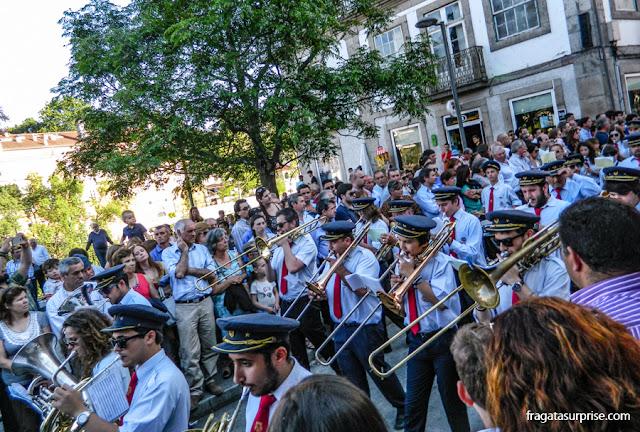 Banda de música desfila na Procissão de São Gonçalo do Amarante, Portugal
