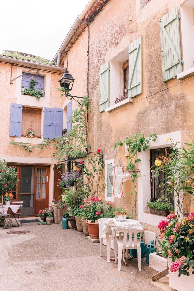 Weekday Wanderlust: Dreams of Provence