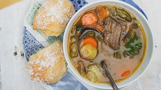 Σούπα μοσχαράκι με λαχανικά και τραχανά
