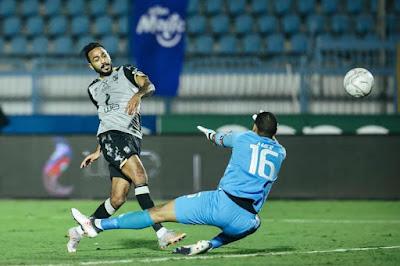 ملخص واهداف مباراة الاهلي وسيراميكا كليوباترا (2-0) الدوري المصري