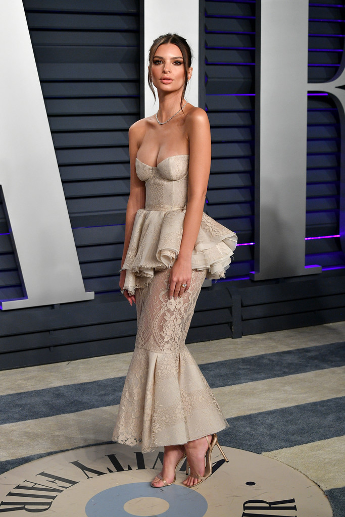 Emily Ratajkowski - 2019 Vanity Fair Oscar Party in Beverly Hills - 02/24/2019