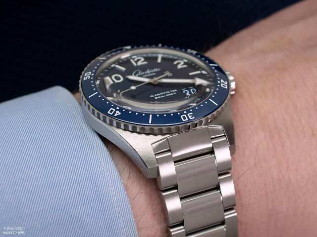 Glashütte Original SeaQ Panorama Date, on the wrist