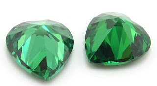 Heart-Shape-Cubic-Zirconia-Emerald-Green-Colored-Gemstones-Supplier