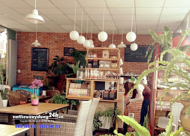 Gạch cổ Vĩnh Cửu ốp tường quán cà phê