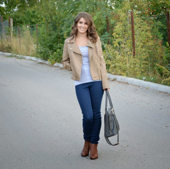 how to wear faux leather jackets for fall outfits