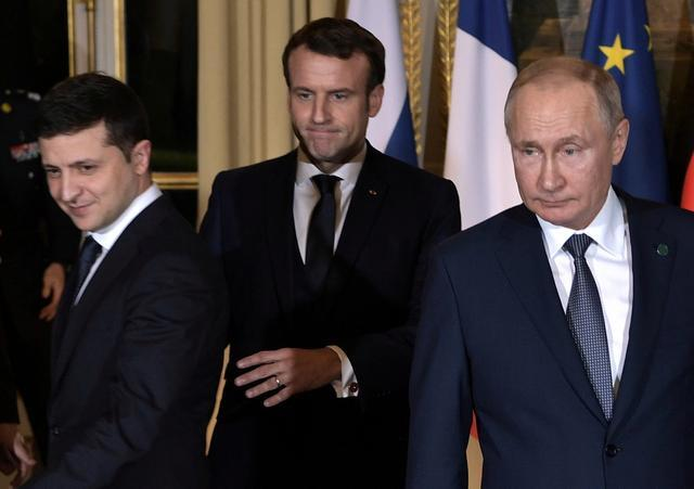 Putin Meets Ukraine Leader For First Time