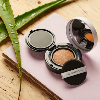 The NEW Fresh Nude Cushion Foundation is enriched with  100% organic Community Trade aloe vera, and  English rose water and can bring down the temperature  of your skin by 1 degree.