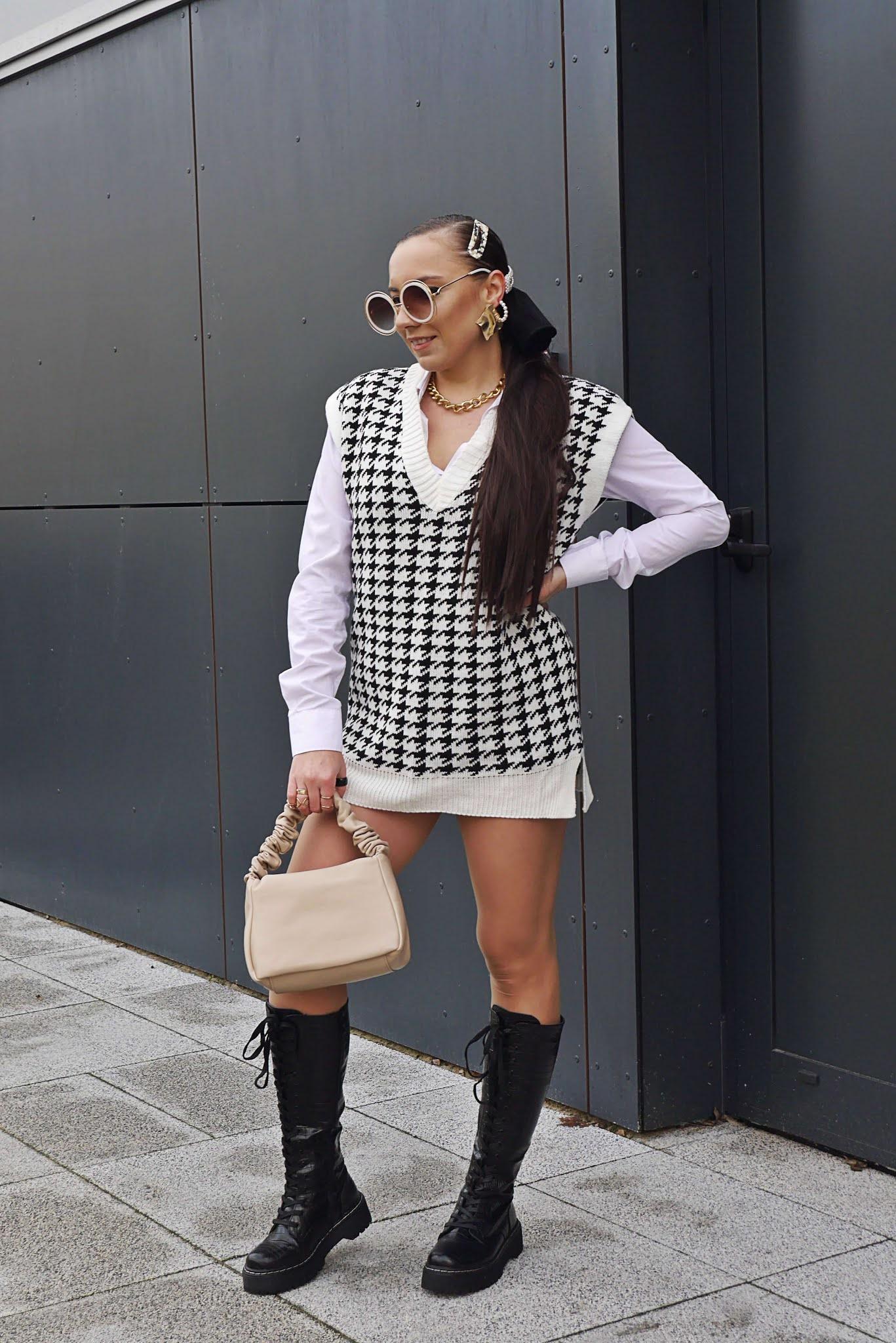 blog modowy blogerka modowa karyn puławy dzianinowa sweterkowa kamizelka femme luxe w pepitkę czarne kozaki ciężkie wiązane militarne w wężwy wzór ccc beżowa nowoczesna torebka ccc stylizacja look