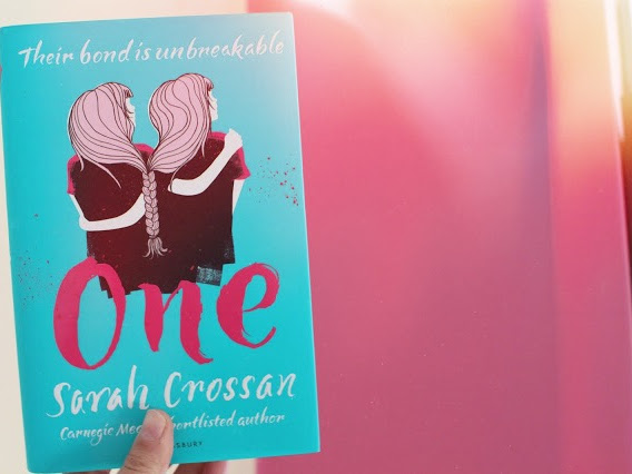Review | One | Sarah Crossan