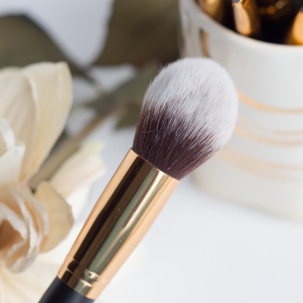 BH Cosmetics Sculpt & Blend 2 Tapered Face Blending Brush