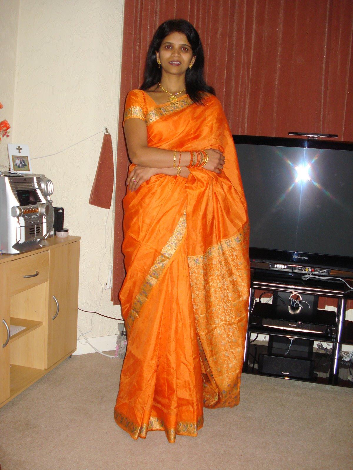 Indian Desi Aunty Saree