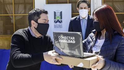 Malvinas Argentinas: distribuyeron 1628 netbooks destinadas a alumnas y alumnos 001