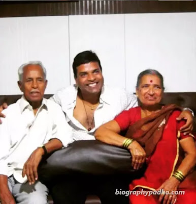 Bharat Jadhav Family Photo