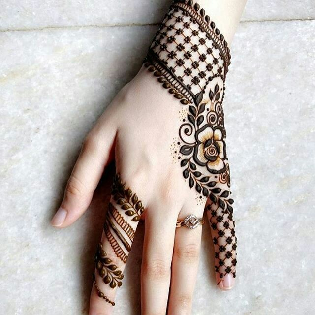 Latest Mehndi Designs: 40 Latest Mehndi Designs To Try This Year