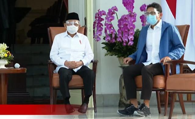 Berani Tampil Beda, Begini Style Sandiaga Uno Saat Pengumuman Menteri Baru Jokowi
