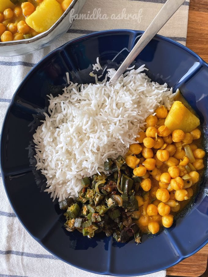Chickpea Potato Curry in Tamarind Extract