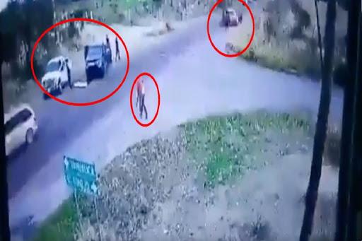 Video; Las camionetas bloqueaban cada una el paso, así es como El CJNG instala sus retenes y los opera en Apulco, Zacatecas
